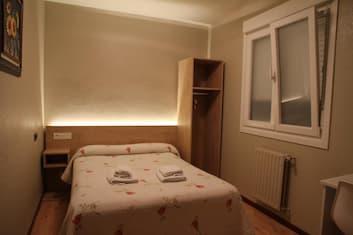 hostales-en-pamplona-habitaciones-bano-privado